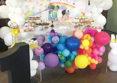 Over the Rainbow Birthday Party - table display