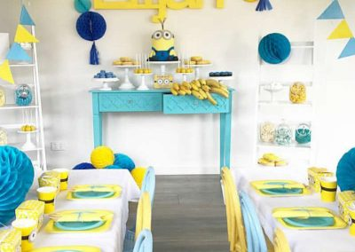 Minion Birthday Party party table