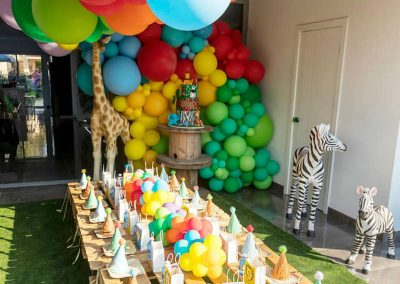Animal Jungle Birthday Party Table and Decorations